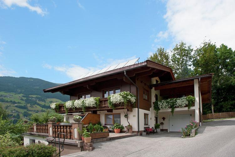 Ahornblick Ski Zillertal 3000 Tyrol Austria