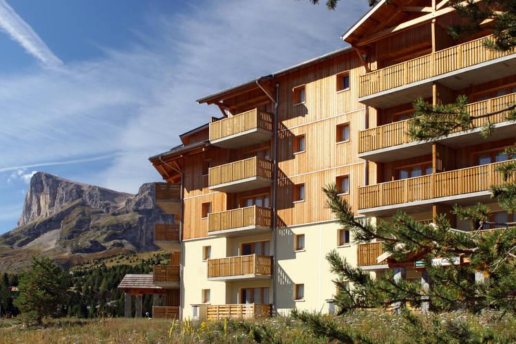 Chalets SuperD Saint-etienne-en-Devoluy Southern Alps France