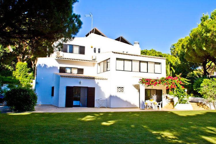 Buganvilia Quarteira Algarve Portugal