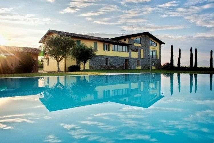 Ginestra Quattro Martino della Battaglia Lake Garda Italy
