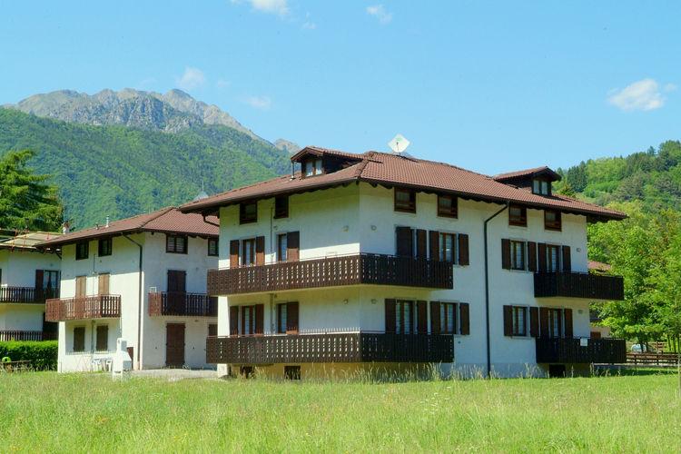 Lori Montagna  Lakes of Italy Italy