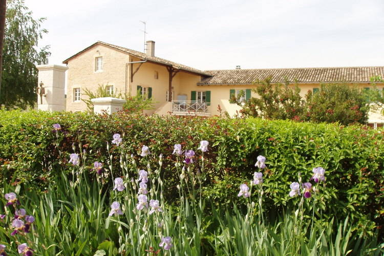 Le Gite des Blancs Vinzelles Burgundy France