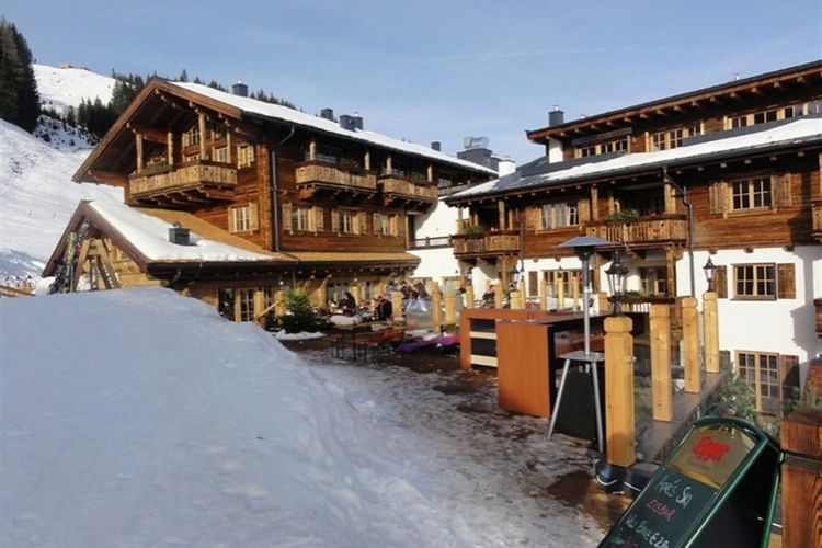 Panorama Chalet 2B - Exterior - Winter